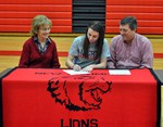 Olivia Behymer signs with Liberty University image
