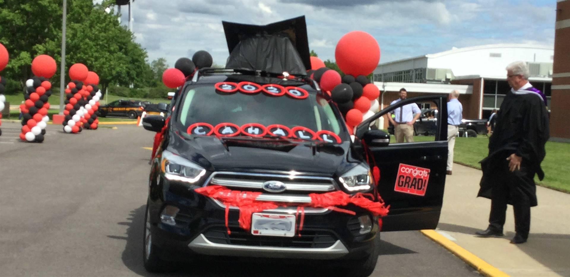 Graduation decorated car