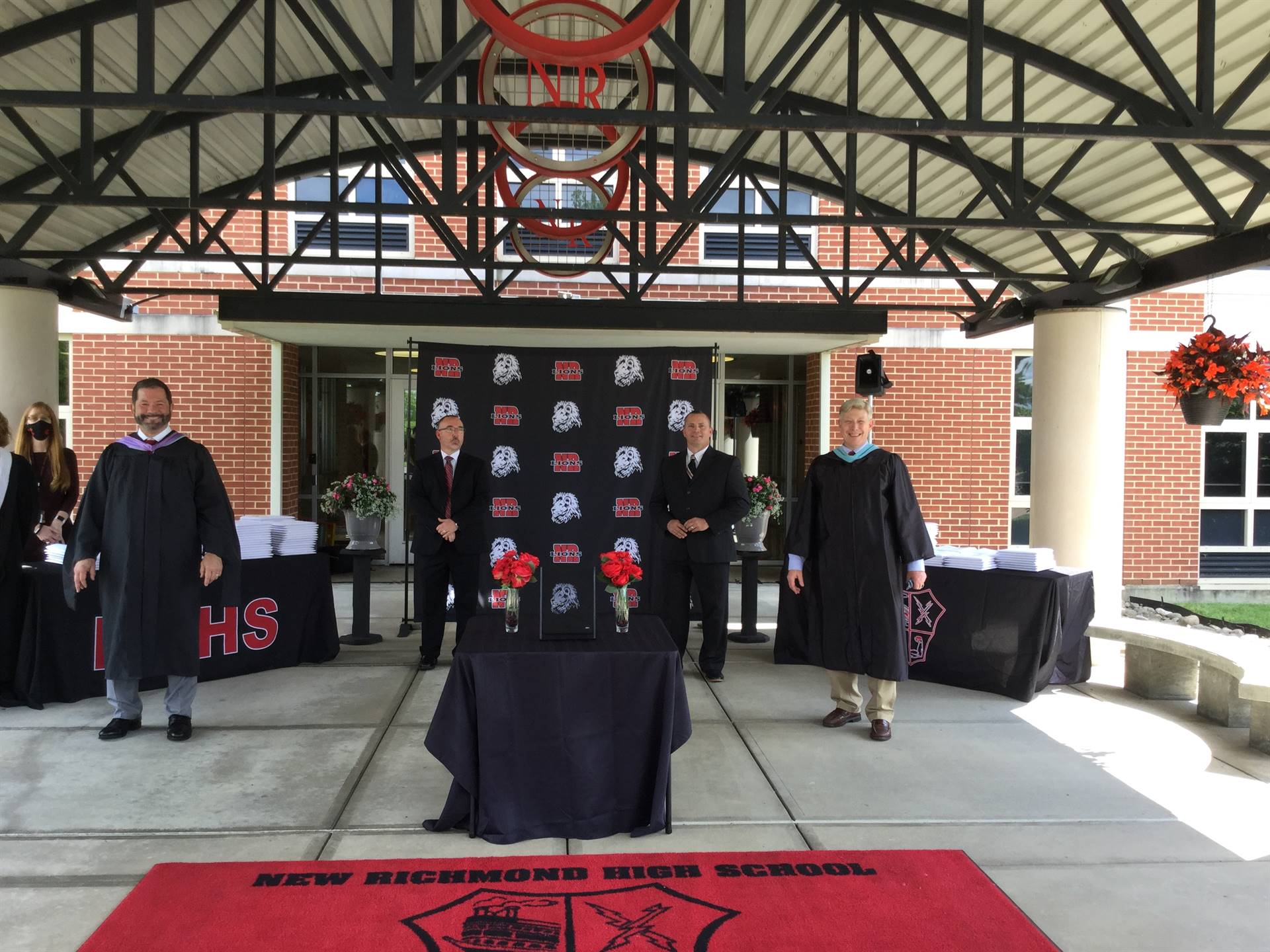 Graduation diploma station