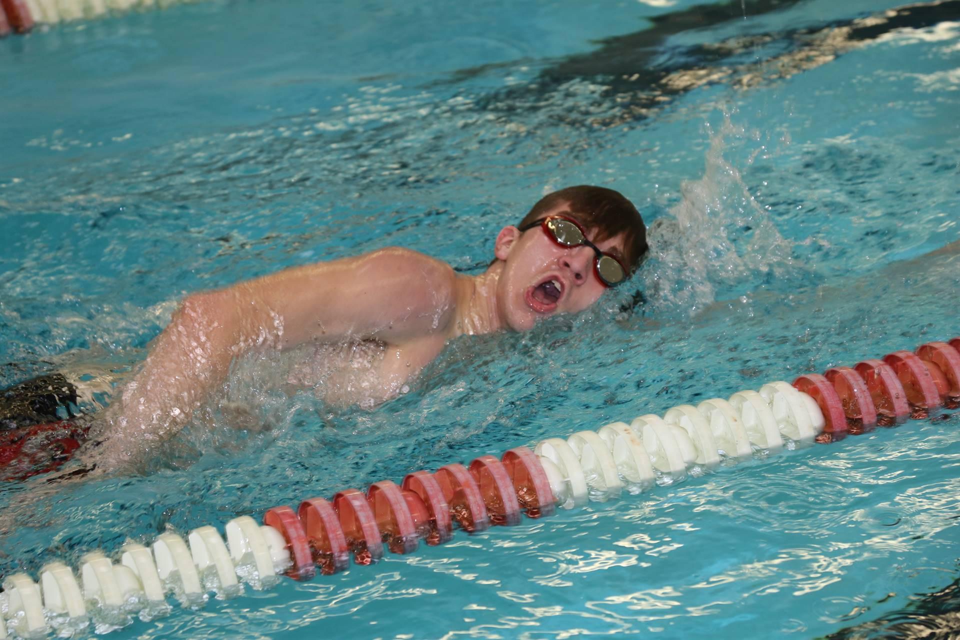swimmer freestyle stroke