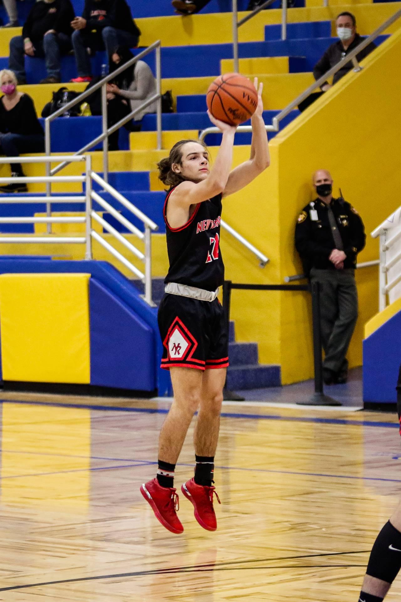 girls basketball shooting